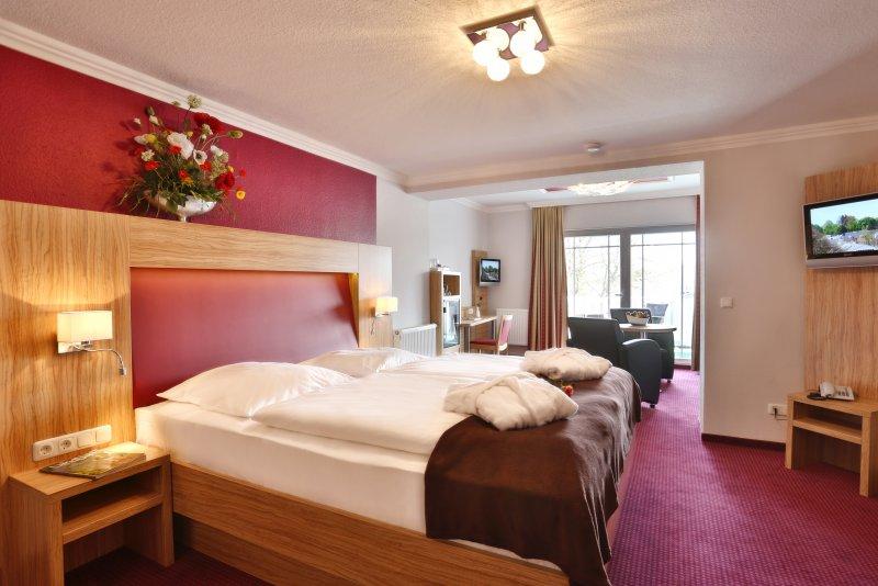 zimmer 19 akzent waldhotel in g hren. Black Bedroom Furniture Sets. Home Design Ideas